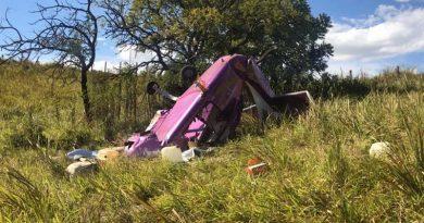 Queda de aeronave deixa dois homens feridos em Atibaia