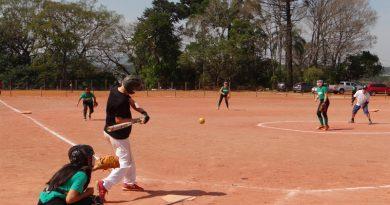 Seleção brasileira de softbol treinou em Atibaia
