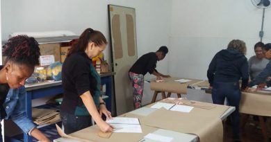 Cursos da Escola de Capacitação Solidária formam 30 alunas