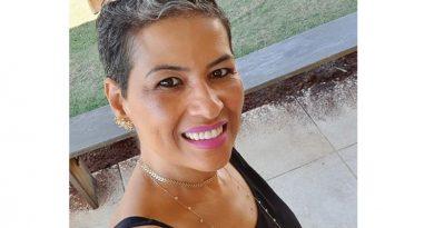 """Escritora de Atibaia  lança livro """"Um novo  olhar para a vida"""""""