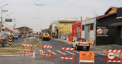 Prefeitura de Atibaia finaliza recapeamento da Av. Jerônimo de Camargo